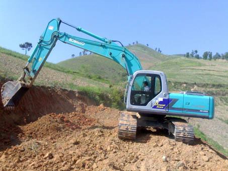 小松PC430-8挖掘机发动机功率不足、液压系统故障引起掉速憋车!