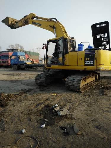 重庆巴南小松PC220挖机全车速度慢,行走慢,动力提升慢故障
